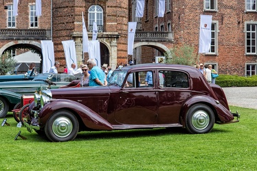 Bentley Mk V sports saloon by Park Ward 1940 side