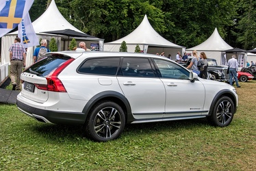 Volvo V90 Cross Country T6 AWD 2017 r3q