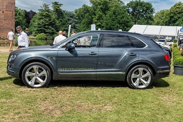 Bentley Bentayga 2017 side