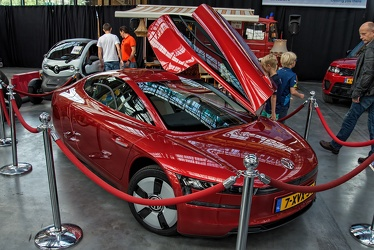 Volkswagen XL1 2014 red fr3q