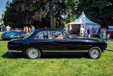 Bristol 411 S3 1974 black side