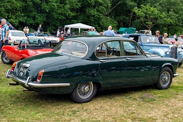 Daimler Sovereign 420 1968 r3q