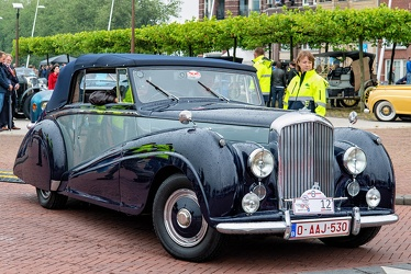 Bentley Mk VI DHC by Park Ward 1950 fr3q