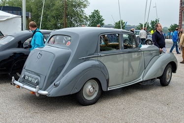 Bentley Mk VI standard sports saloon 1950 r3q