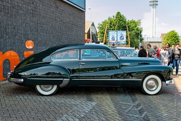 Buick Roadmaster sedanet 1948 side
