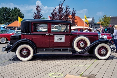 Cadillac Series 353 V8 town sedan 1930 side