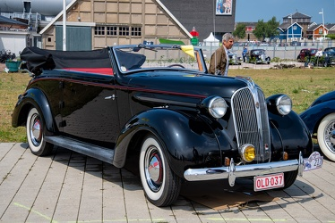Chrysler Plymouth P4 DeLuxe cabriolet by Tuscher 1937 fr3q
