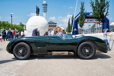 Jaguar C-Type 1953 replica side