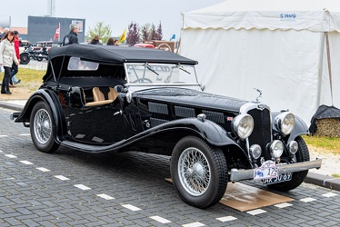 Triumph Gloria Six tourer 1935 fr3q