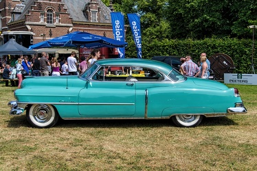 Cadillac Coupe de Ville 1952 side