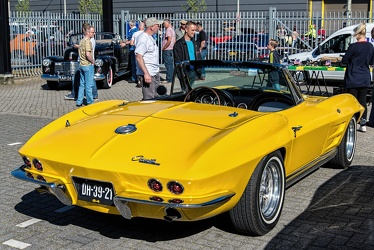 Chevrolet Corvette C2 Sting Ray convertible roadster 1964 r3q