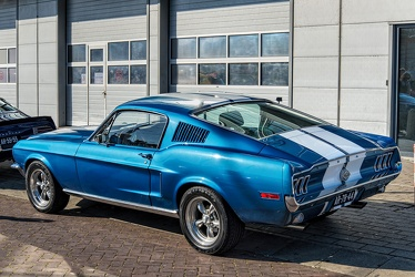 Ford Mustang S1 fastback coupe restomod 1968 r3q
