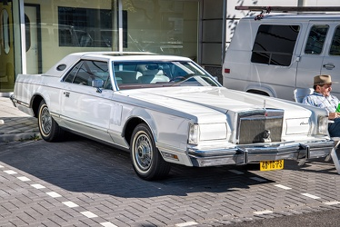 Lincoln Continental Mark V 1979 fr3q
