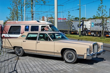 Lincoln Continental Town Car 1979 fr3q