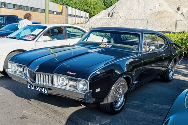 Oldsmobile Cutlass S sports coupe 1968 fl3q