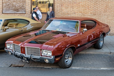 Oldsmobile Cutlass S sports coupe 1971 fl3q