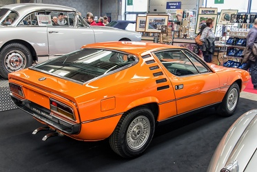 Alfa Romeo Montreal by Bertone 1972 orange r3q