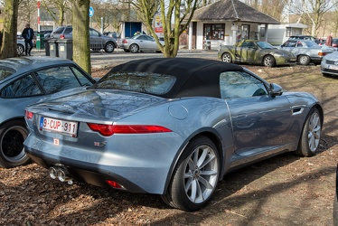 Jaguar F-Type S convertible 2015 r3q