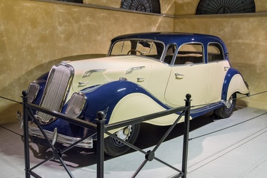 Panhard X77 Dynamic 140 berline 1937 fl3q