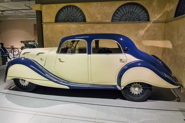 Panhard X77 Dynamic 140 berline 1937 side