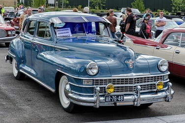 Chrysler New Yorker 4-door sedan 1946 fr3q