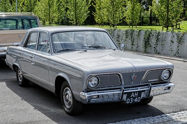 Plymouth Valiant 200 4-door sedan 1966 fr3q