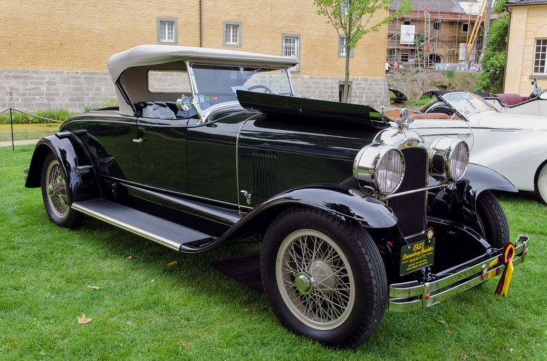 Duesenberg A roadster by Millspaugh & Irish 1923 fr3q 2.jpg