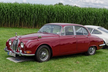 Jaguar 3.4 S 1965 red fl3q