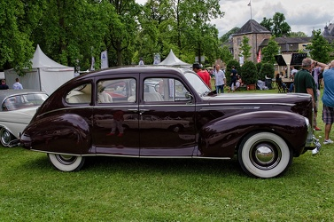 Lincoln Zephyr 4-door sedan 1940 side
