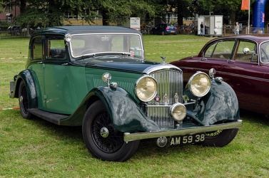 Bentley 4.25 Litre sports saloon by Park Ward 1937 fr3q
