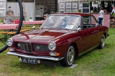 BMW 3200 CS by Bertone 1964 fl3q