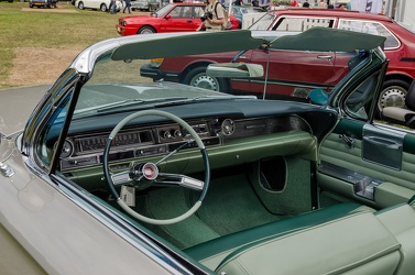 Cadillac 62 convertible coupe 1961 interior