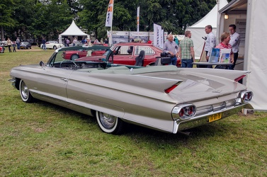 Cadillac 62 convertible coupe 1961 r3q