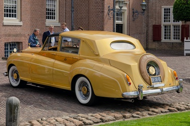 Rolls Royce Silver Cloud II Sedanca Gold by Barris Kustom 1961 r3q