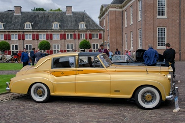Rolls Royce Silver Cloud II Sedanca Gold by Barris Kustom 1961 side