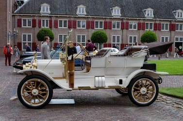White Model G-A tourer 1910 side