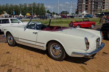 Alfa Romeo 2000 Spider by Touring 1961 r3q