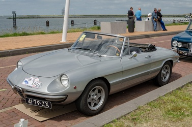Alfa Romeo Spider S1 1300 Junior by Pininfarina 1968 fl3q