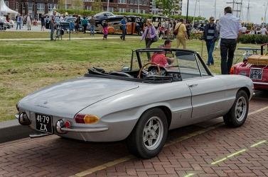 Alfa Romeo Spider S1 1300 Junior by Pininfarina 1968 r3q