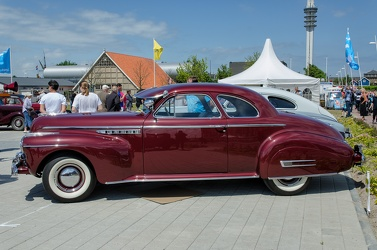 Buick Roadmaster sport coupe 1941 side