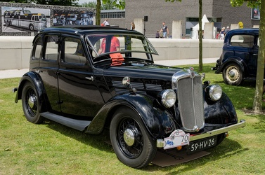 Morris 10 S2 6-light saloon 1936 fr3q