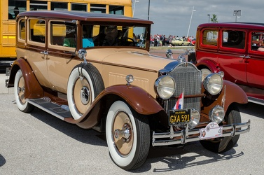 Packard 726 Standard Eight 4-door sedan 1930 fl3q