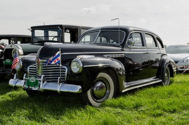 Buick Special 4-door sedan 1941 fl3q
