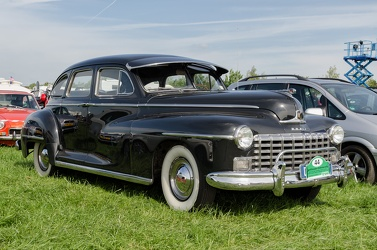 Dodge D24 Custom 4-door sedan 1948 fr3q