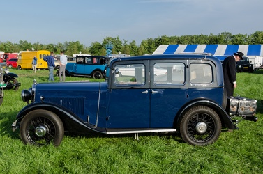 Morris Cowley Six 6-light saloon 1934 side