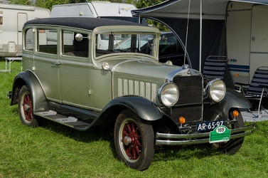 Studebaker Dictator FC Eight 4-door sedan 1930 fr3q