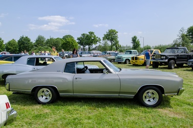 Chevrolet Monte Carlo hardtop coupe 1972 side