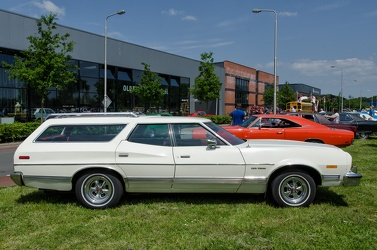 Ford Gran Torino wagon 1973 side
