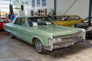 Imperial Crown hardtop coupe 1967 fr3q