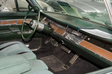 Imperial Crown hardtop coupe 1967 interior